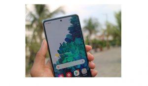 Kamera-depan-Galaxy-S20-FE-Indonesia